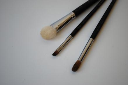 maquillage kaki, pinceaux shu, routine visage 013