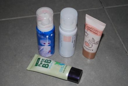 Mes indispensables : 2 bases Shu Uemura (une violette pour l'éclat et une beige matifiante qui cache les pores) et deux BB Cream (Holika Holika ma favorite et SkinFood)